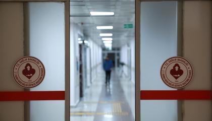 «الصحة» التركية تحقق مع الأطباء المتظلمين من نقص مستلزمات الحماية