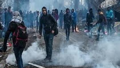 اليونان: أردوغان أراد صنع هولوكوست للسوريين فسلحهم بالغاز وحرضهم ضد جنودنا