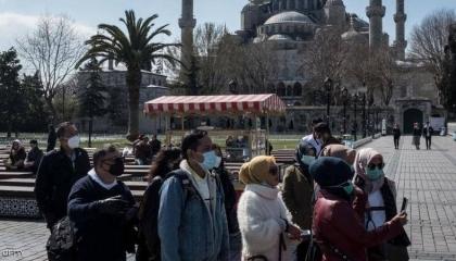 فيديو.. مواطنة تركية بعد تفشي فيروس كورونا: نحن الغلابة مضطرون للعمل