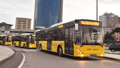 بلدية إسطنبول تشترط ارتداء «الكمامة» لركوب المواصلات العامة