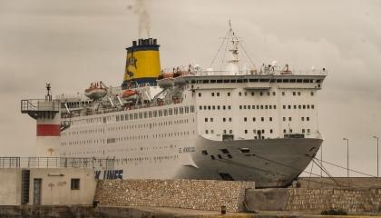 اليونان تحتجز 65 تركيا بعد تفشي كورونا على سفينة سياحية