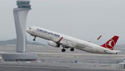 أردوغان يحرم العاملين بالخطوط الجوية التركية من التأمينات الصحية