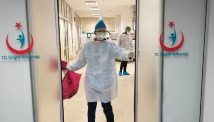 «كورونا» يصيب  1000 من العاملين بقطاع الصحة بتركيا