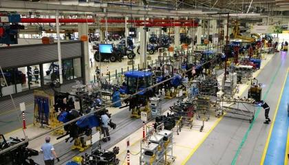 بالفيديو.. عمال المصانع التركية: مجبرون على العمل رغم تفشى كورونا