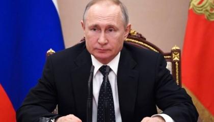 بوتين يشبه الصراع ضد «كورونا» بانتصار بلاده ضد الأتراك