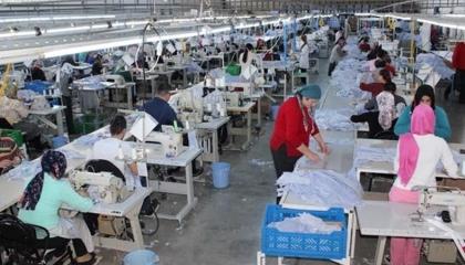 """إصابة عاملين بمصنع نسيج بـ""""كورونا"""".. وصاحب العمل: «استريحوا يومين وارجعوا»"""