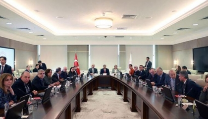 وزير الصحة التركي يقنع أعضاء لجنة مكافحة كورونا بالعدول عن الاستقالات