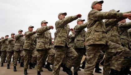 تأجيل الاستدعاءات والتسريح في الجيش التركي لشهر آخر