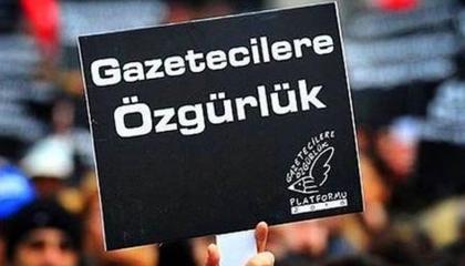 صحفيون أتراك: حكومة أردوغان تعاند الشعب وتعرض حياة معتقلي الرأي لخطر كورونا
