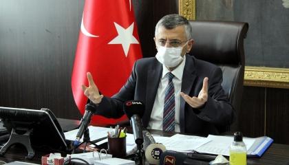 حاكم مدينة تركية تابع لأردوغان: العاملون بمجال الصحة عبء على الدولة
