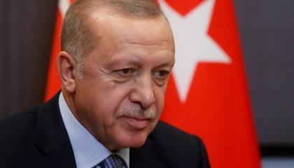 فيديو.. حزب أردوغان يذل الشعب التركي: رغيف الخبز مقابل مدح الرئيس