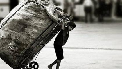 يبلغ عدد العاملين منهم 3 ملايين و650 ألف.. 32% من أطفال تركيا يكافحون الفقر