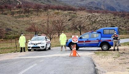 وضع قرية تركية بمحافظة فان تحت الحجر الصحي بعد إصابة عدد من الأهالي بكورونا