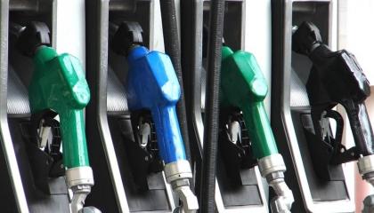الحكومة نصبت على الأتراك بخفض البنزين 9 قروش بعد رفعه 29 قرشًا قبل يومين