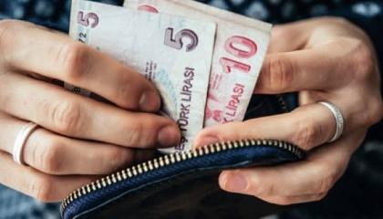 اتحاد النقابات العمالية في تركيا: ارتفاع حد الجوع إلى ألفين و374 ليرة