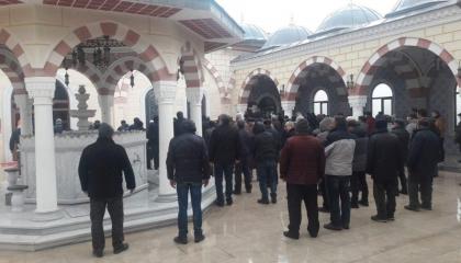 صلاة جنازة على متوفية بـ«كورونا» تعيد انتشار الفيروس لقرية تركية