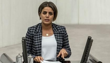نائبة كردية: السلطة التركية لم تهيئ الظروف للبقاء بالمنزل وتضطهد النساء