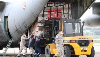 أردوغان يرسل شحنة مساعدات ثانية إلى الولايات المتحدة الأمريكية