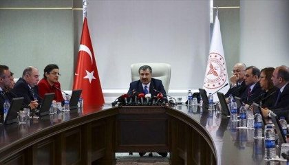 أعضاء اللجنة العلمية لمواجهة «كورونا» ينتقدون إجراءات الحكومة التركية