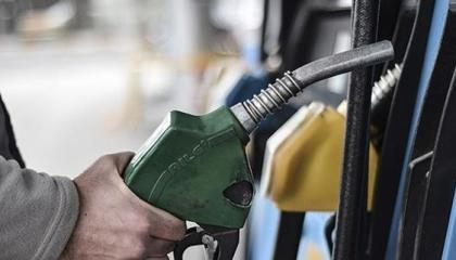بالتزامن مع انهيار الليرة.. تركيا ترفع أسعار البنزين والديزل