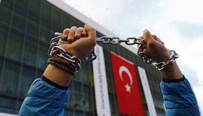 «نورديك مونيتور»: تركيا تسجل أعلى رقم للصحفيين المعتقلين في العالم