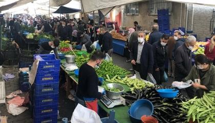 افتتاح سوق جديدة في إسطنبول.. والأتراك يتجاهلون تدابير «كورونا»