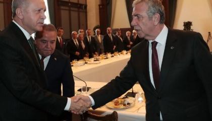 كاتب تركي: سياسة أردوغان «دنيئة» تتسلط على المعارضين والصحفيين