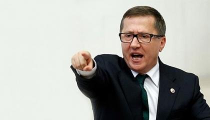 نائب يسخر من مزاعم أردوغان: الانقلاب الحقيقي هو «انقلاب الدولار»
