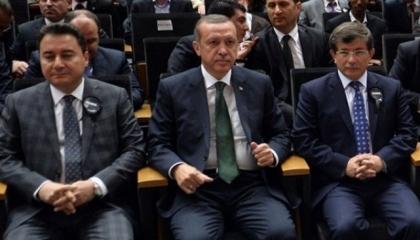 استطلاع رأي يكشف: «كورونا» يعصف بشعبية أردوغان لصالح دواد أوغلو وباباجان
