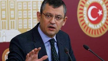 أوزجور أوزال: كورونا أسقط قناع الاستبداد عن وجه أردوغان ورجاله