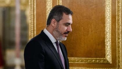 تفاصيل الزيارة السرية لرئيس مخابرات تركيا إلى ليبيا لوقف هزائم السراج