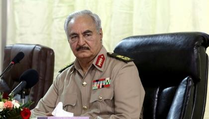 المشير خليفة حفتر يلتقي ضباط غُرف العمليات بالجيش الليبي