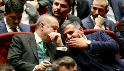 قيادي بحزب أردوغان يهدد الشعب: لدينا أسلحة سنجربها فيكم إن ثورتم ضد الرئيس
