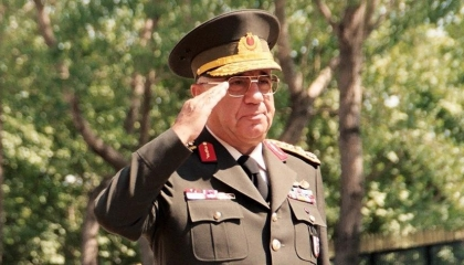 كان يتمنى تبرئته من وصمة «الانقلاب».. وفاة رئيس الأركان التركي الأسبق