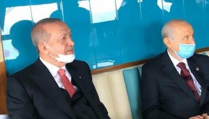 أردوغان وحليفه بالكمامات في أول لقاء لهما  منذ شهور