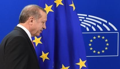 الإعلام الألماني يفتح النار على أردوغان بسبب جرائمه في ليبيا: غير موثوق فيه