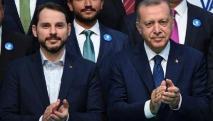 بالفيديو: الأتراك يكشفون كذب الحكومة بشأن الاقتصاد: مهندسون ونبيع الشاي