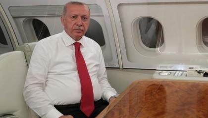 أردوغان يعود إلى العاصمة التركية بعد شهرين ونصف من الغياب
