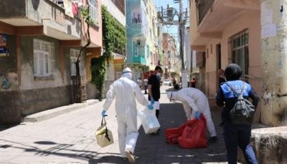 فرض الحجر الصحي على ثلاث شوارع في ديار بكر بعد إصابة 18 مواطنًا