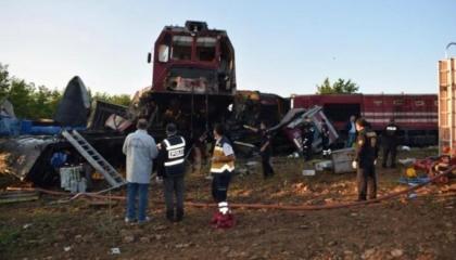 حوادث تركيا.. تصادم قطارين في مدينة مالطيا