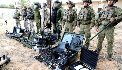 بالصور .. منصات إعلامية تابعة لنظام أردوغان تنشر صور الجنود الأتراك بليبيا