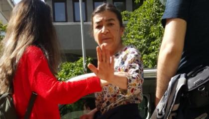 صحفية مُعتقلة تكشف سوء الأوضاع في سجون أردوغان: «حبسوني في سجن رجالي»