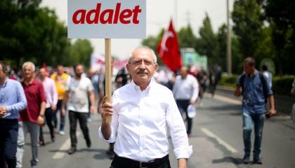 زعيم «الشعب» التركي يحيي الذكرى الثالثة لـ«مسيرة العدالة»