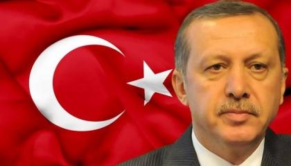 موقع إيطالي يكشف أهداف أردوغان الاستعمارية بأفريقيا: ليبيا على خطى الصومال