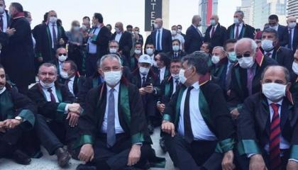 نشرة أخبار«تركيا الآن»: شرطة أردوغان تعتدي على محامين.. والنمسا تهاجم أنقره
