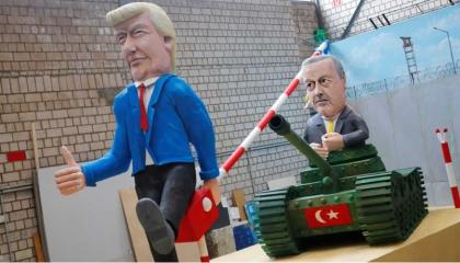 جون بولتون في كتابه: أردوغان دكتاتور.. ويشبه الزعيم الفاشي موسوليني