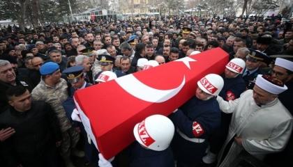 مقتل جندي تركي وإصابة اثنين بنيران الحليف الإيراني