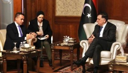 وصول وزير الخارجية الإيطالي إلى طرابلس لمقابلة فايز السراج