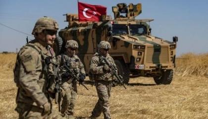 بالفيديو..  سوريات يغضبن من نهب الميليشيات المدعومة من تركيا لمحصول القمح