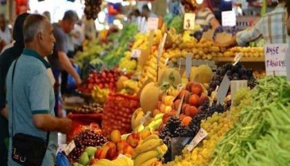 ارتفاع تضخم المواد الغذائية في تركيا برغم الانخفاض عالميًا
